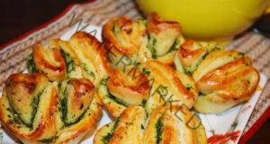 Питки с чесън и зелени подправки - ароматни, меки и вкусни