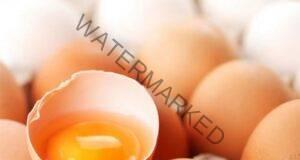 Вгледайте се в цвета на жълтъка преди консумацията на яйца