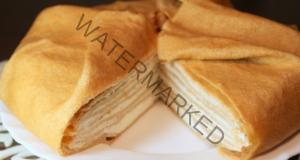 Торта с яйчени палачинки и пълнеж от пиле. Вечерята вече е определена!