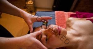 Как да масажирате третото си око и кои са неговите предимства?