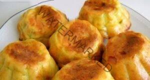 Пригответе вкусни кексчета от тиквички с бекон и подправки!