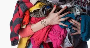 Изхвърлете старите дрехи: Разрушават енергията ви!