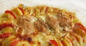 Печени пилешки кюфтета с шарена гарнитура. Много вкусни!