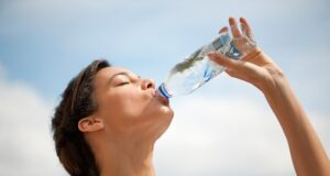 Водата ще ви помогне да отслабнете! Вижте как да я пиете!