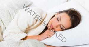 Позиции на тялото по време на сън за облекчаване на болката!