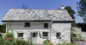 Тази къща е на 300 години! Когато влезете вътре ще ахнете от изненада!