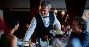 Как да се държите в ресторант? 19 правила, които не знаете!