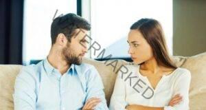 Съпругът ви се прибира късно у дома? Как бихте реагирали?