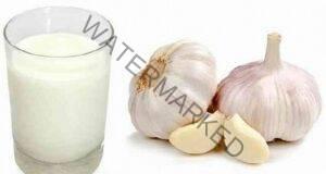 Селска рецепта от чесън и мляко лекува високото кръвно налягане