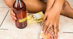 Смес от ябълков оцет и вода ще направи чудеса с краката ви!