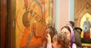 Целувате иконите в църквата? Ето защо това е опасно!