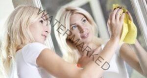 Как да почистите огледалото, без да остават следи?