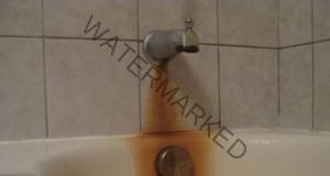Ето как най-бързо да се отървете от ръждата и петната по ваната