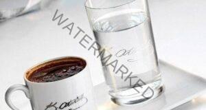 Ето защо винаги е добре да се сервира вода с кафето!