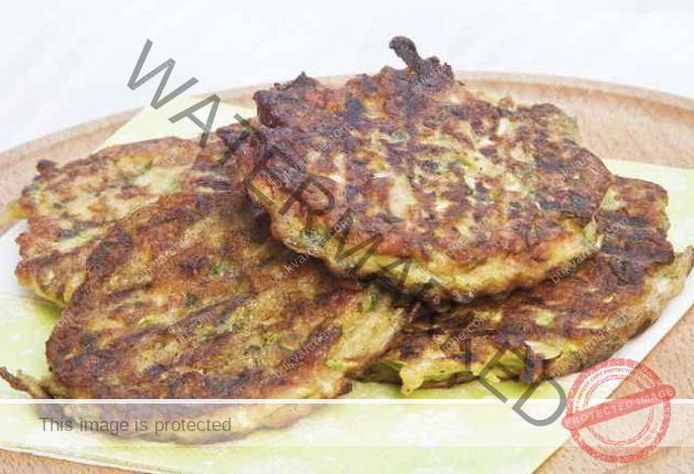 Рецепта за вкусни плескавици от тиквички и пармезан