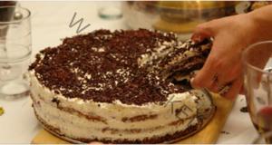 Най-бързата и вкусна торта, която някога сте приготвяли