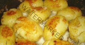 Как да приготвите пресни картофи със златиста коричка?