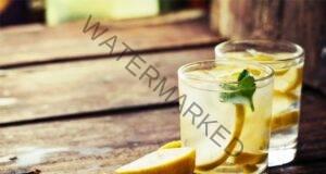 Пийте топла вода с лимон, но не допускайте тази огромна грешка!