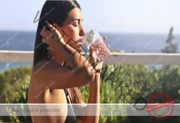 Топла или студена вода? Вижте какво се случва с тялото ви!