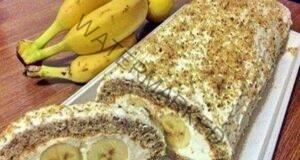 Нежно и много вкусно руло с банани: Топи се в устата