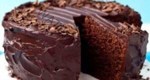 Вкусна, сочна шоколадова торта, в която няма нито едно яйце