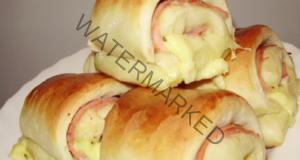 Вкусни домашни рулца, пълнени със салам и сирене