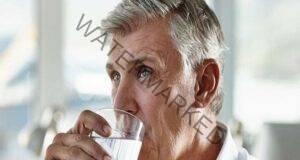 Ето защо не бива да пиете вода по време на хранене