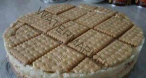 Торта с бисквити, лешници, кокос и ванилов пудинг: Топи се в устата