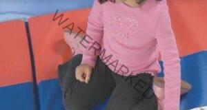 Ако детето ви седи по този начин, накарайте го да спре! Вижте защо!