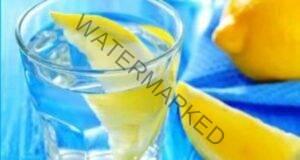 10 причини да пиете топла вода с лимон всяка сутрин