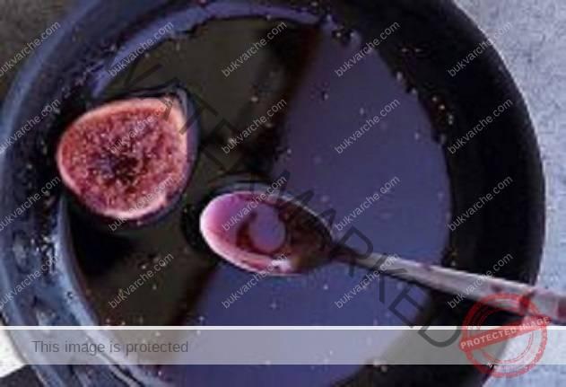 Лековито вино от смокини при кашлица и камъни в бъбреците