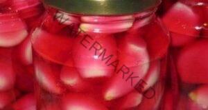Чесънът, накиснат в червено вино, лекува повече от 100 болести!