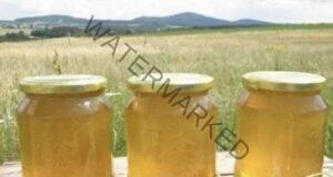 Знаете ли какво се случва, когато пиете вода с мед на празен стомах?