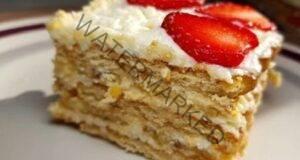 Вкусна торта без печене с ягоди и банани: дори дете ще я приготви!