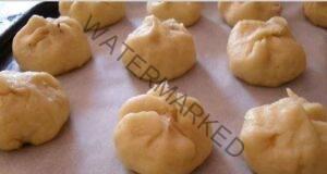 Дребни сладки с пълнеж от орехи: просто се топят в устата