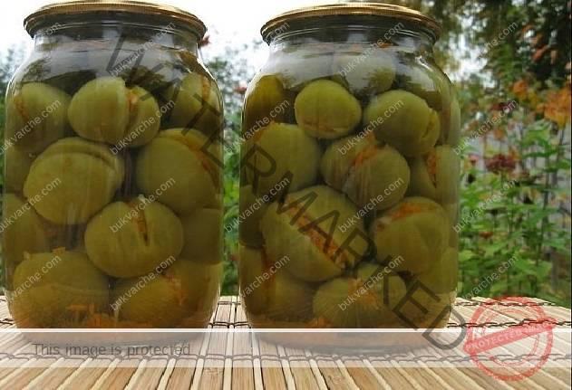 Зелени домати в буркан - пръстите да си оближете