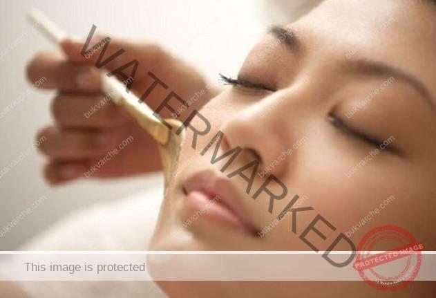 Китайска маска с нишесте, мед и сол за красива кожа