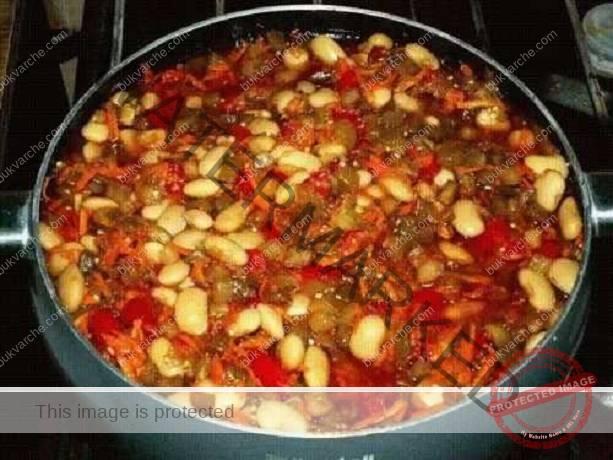 Патладжан с боб за зимата: вкусни консервирани сезонни зеленчуци