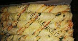Красива и вкусна питка на спирали със спанак и сирене