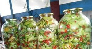 """Мариновани зелени домати """"Ад"""": пикантни и много вкусни"""