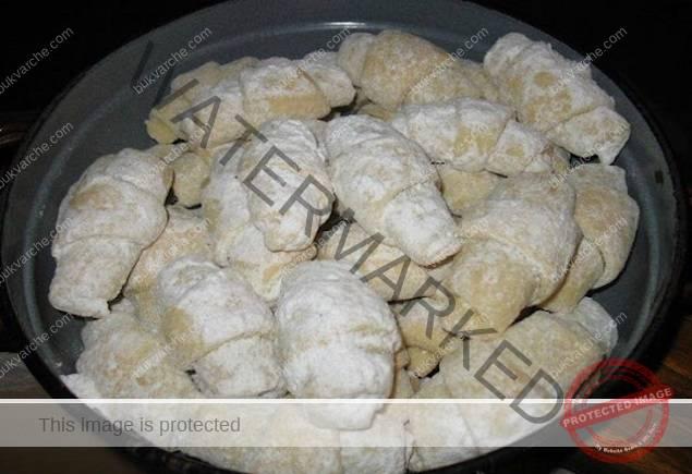 Кифлички със сладко без мая, без яйца, приготвят се много бързо