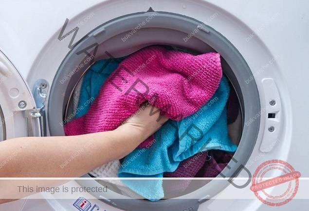 Петна по дрехите - лесни начини за отстраняване