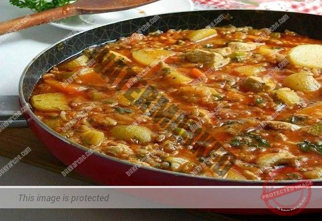 Запечени картофи на фурна с грах и моркови - вкусен обяд