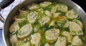 Пилешка супа с кнедли - вкусна и ароматна рецепта