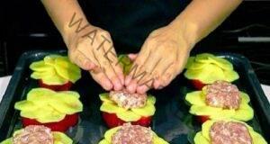 Рецепта с кайма, картофи и чушки със сметанов сос