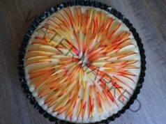Ябълков пай от продукти, които всяка домакиня има в кухнята