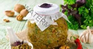 Аджика с орехи - най-вкусната рецепта, подходяща за много ястия