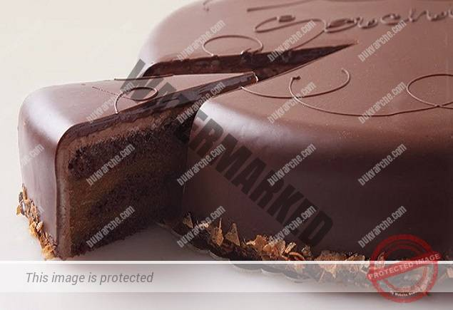Домашна шоколадова торта, готова за 30 минути