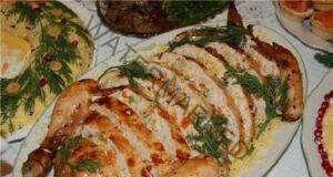 Пълнено пиле - ефектно ястие, което ще ви изненада с вкуса си