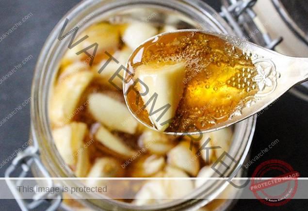 Мед и чесън: комбинация, която ще ви предпазва цяла зима